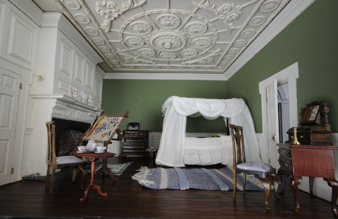 History of Kenmore Dollhouse (4)