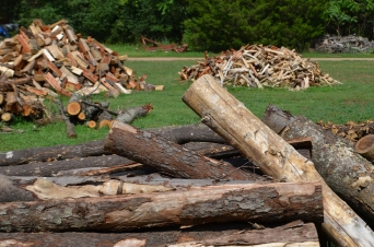 Firewood ready to be assembled into the lime rick.