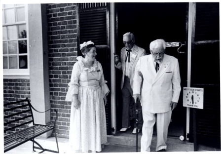 Colonel Sanders leaving the house after his tour.