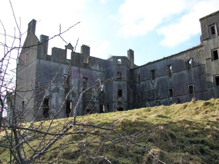 Ruins of Kenmore Castle in 2008. Credit: Chris Newman / Wikipedia