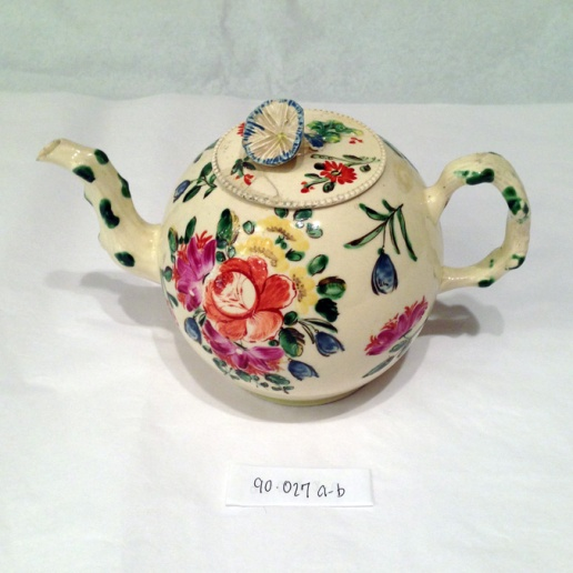 Creamware Teapot dating from 1760-1775 and made in England.