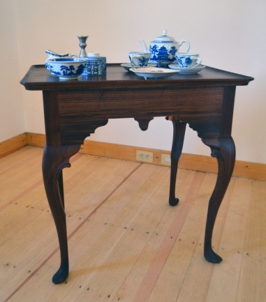 The tea table in the hall back room.