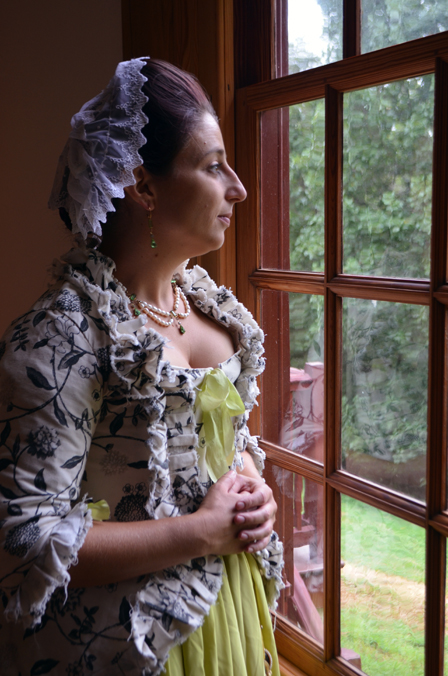 Carin Bloom as Caty Greene (4)